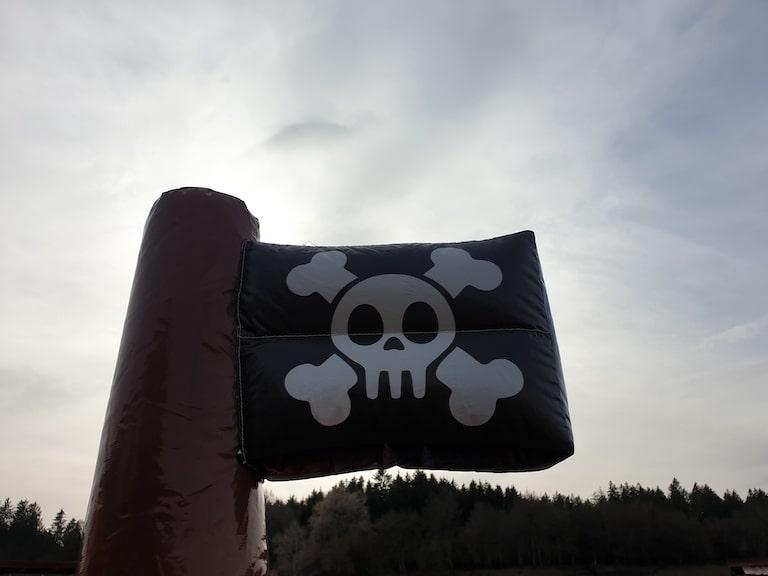 Hüpfburg-Pirateburg-4.jpg
