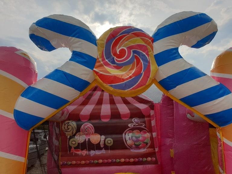 Hüpfburg-Candyland-5